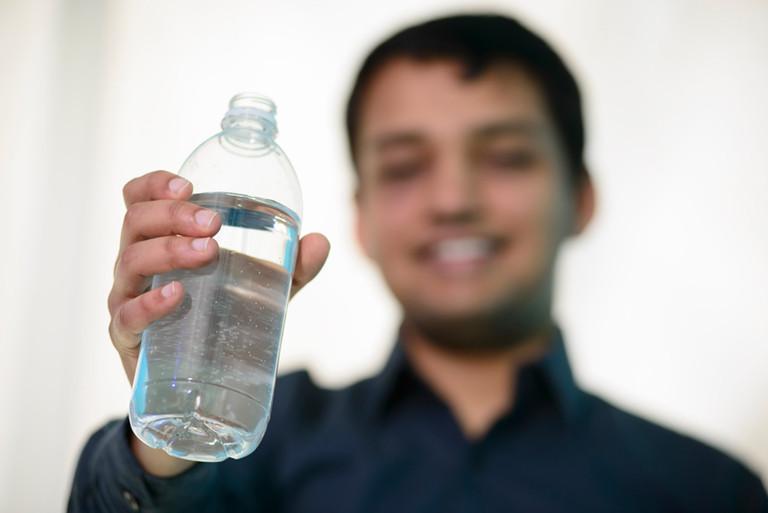 Vodíkové lahve. Vodík revitalizuje, zvyšuje výkony sportovců, nabíjí energií, a uklidňuje před spaním